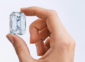 Christies subastará el mayor diamante cortado en Rusia