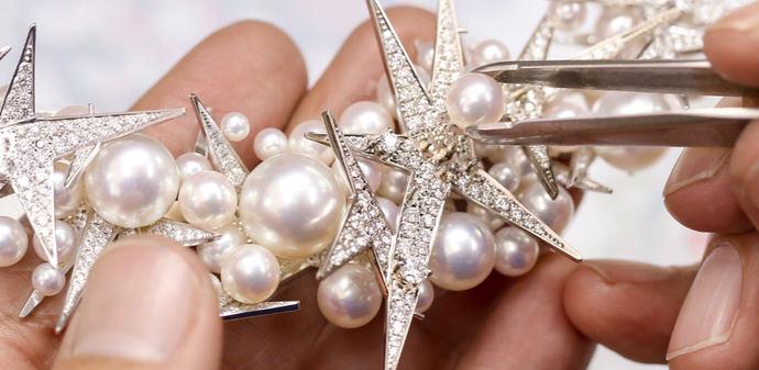 Cita online con las perlas y la alta joyería