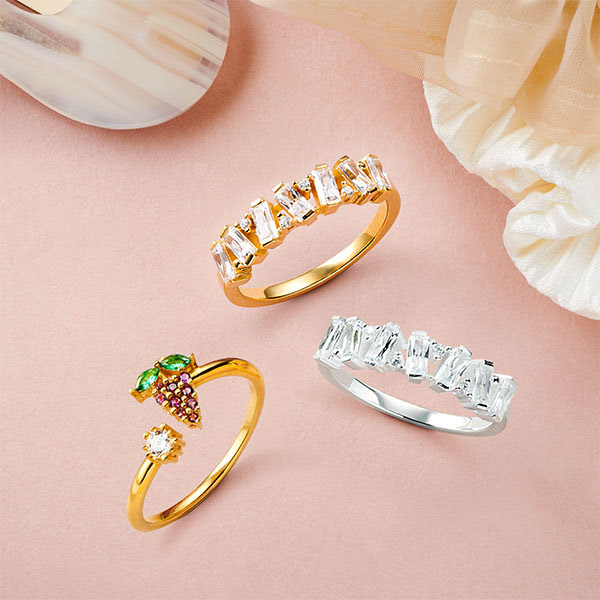 Ring stacking: se acabó el minimalismo, más es más en joyería