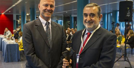 La Asociación de Tasadores de Alhajas entrega el VII Premio Nicolau al catedrático de Granada, Fernando Gervilla