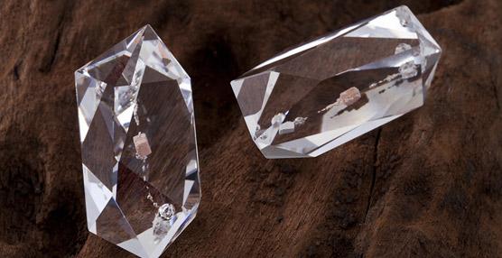 Swarovski y una Asociación astronómica presentan un cristal compuesto por un meteorito de Marte