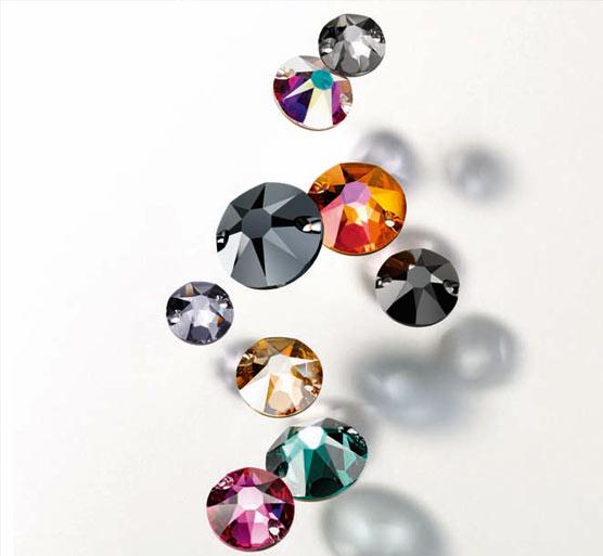 Swarovski incorpora nuevas tallas y colores a su colección de cristales Xirius, con tallas de 18 facetas